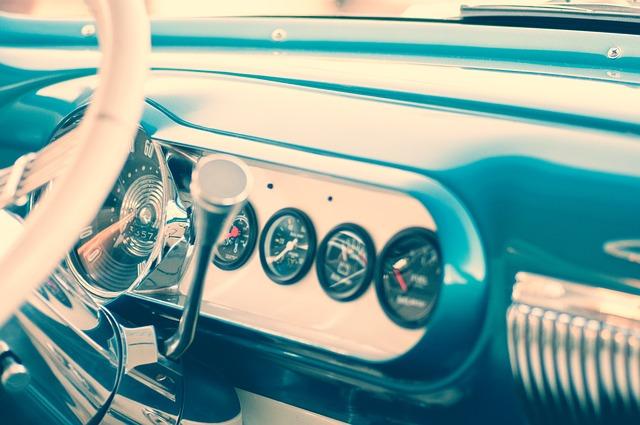 car-923181_640.jpg