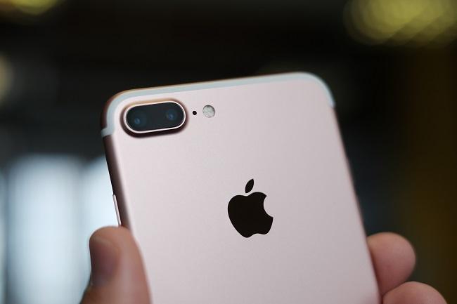 IPhone_7_Plus_(29789933241).jpg