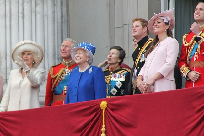 Royal family on balcony-1.jpg